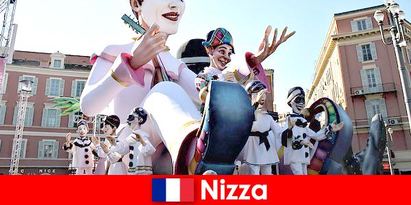 Atracción turística en Niza con niños y grandes atracciones