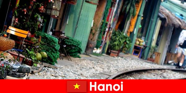 Hanoi es la fascinante capital de Vietnam con calles estrechas y tranvías
