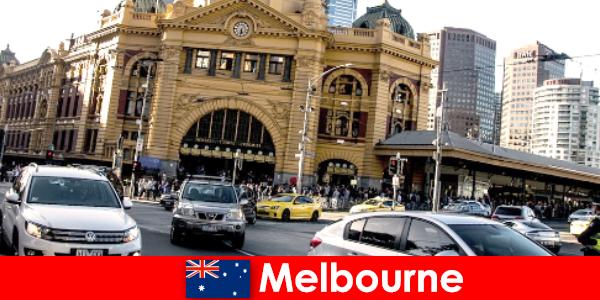 El mercado al aire libre más grande de Melbourne en el hemisferio sur, un lugar de encuentro para extraños