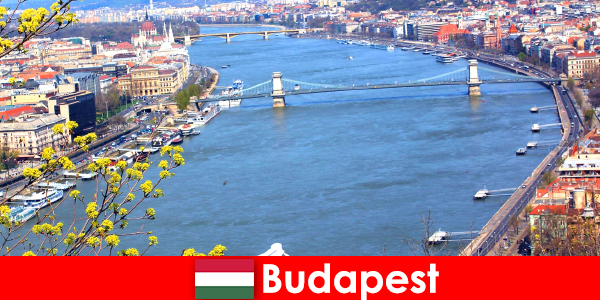 Budapest en Hungría es un consejo de viaje popular para las vacaciones de baño y bienestar