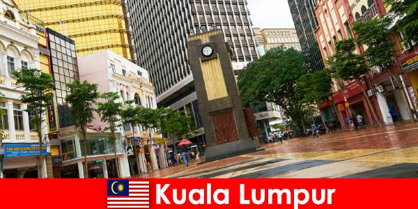 Kuala Lumpur es el centro cultural y económico del área metropolitana más grande de Malasia