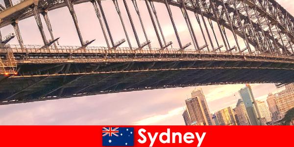 Sydney con sus puentes es un destino muy popular para los viajeros de Australia.