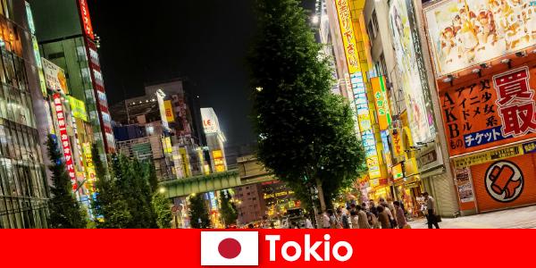 Los edificios modernos y los templos antiguos hacen de Tokio un lugar inolvidable para los extranjeros