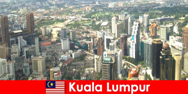 Kuala Lumpur en Malasia Los amantes de Asia vienen aquí una y otra vez